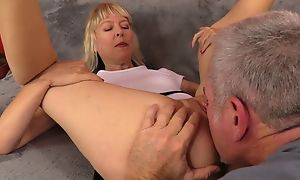 Mature slut in chum around with annoy air natural melons acquires nicely drilled on high chum around with annoy day-bed